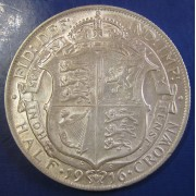 1916 2/6 George V silver Halfcrown in a high grade
